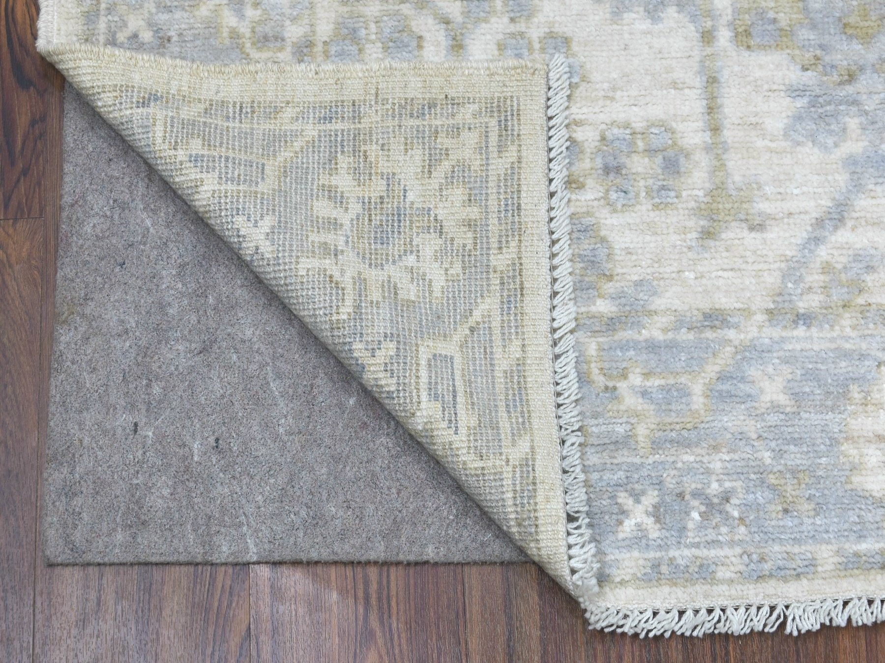 Traditional Wool Hand-Knotted Area Rug 8'0