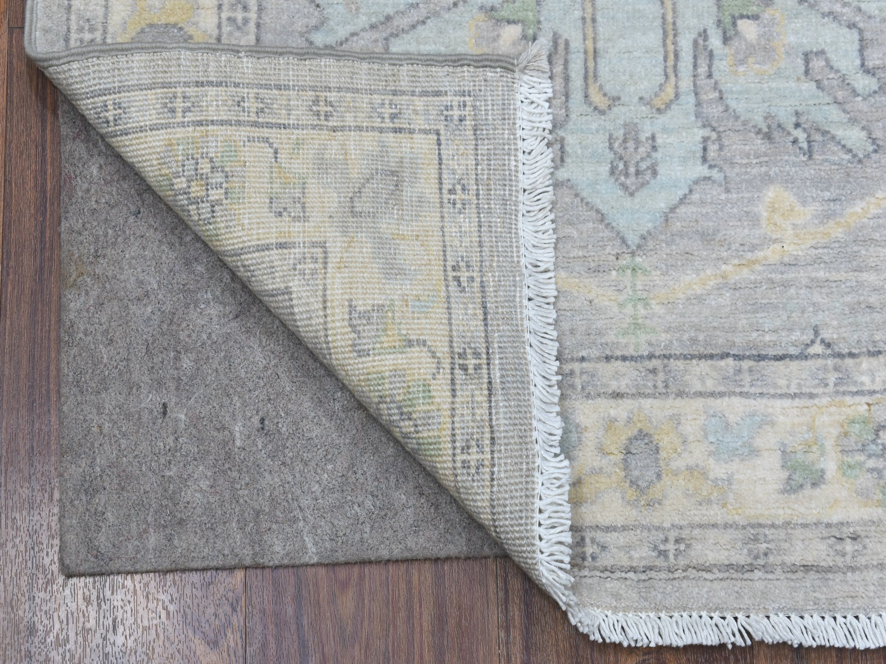 Transitional Wool Hand-Knotted Area Rug 2'5
