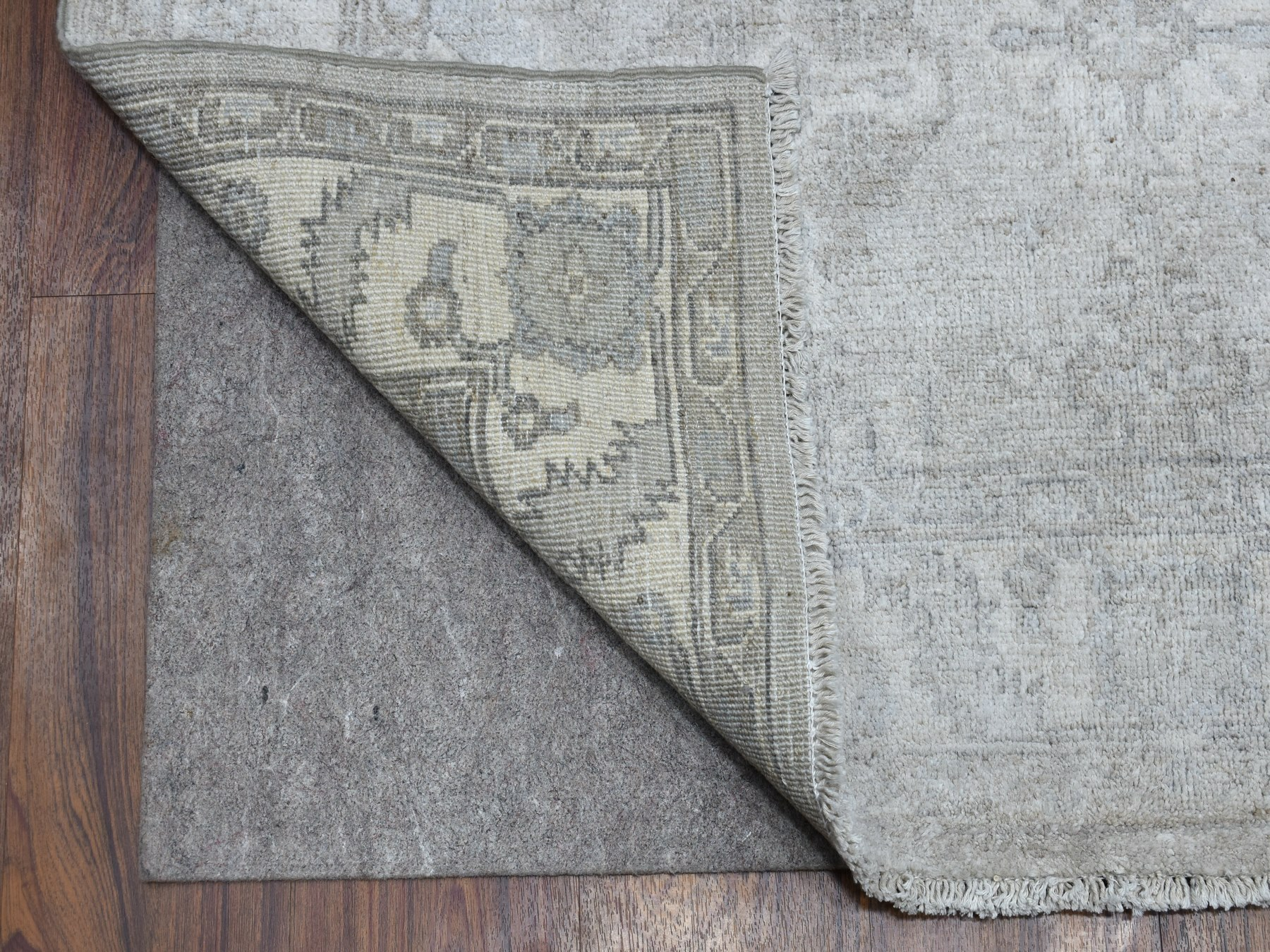 Traditional Wool Hand-Knotted Area Rug 4'1