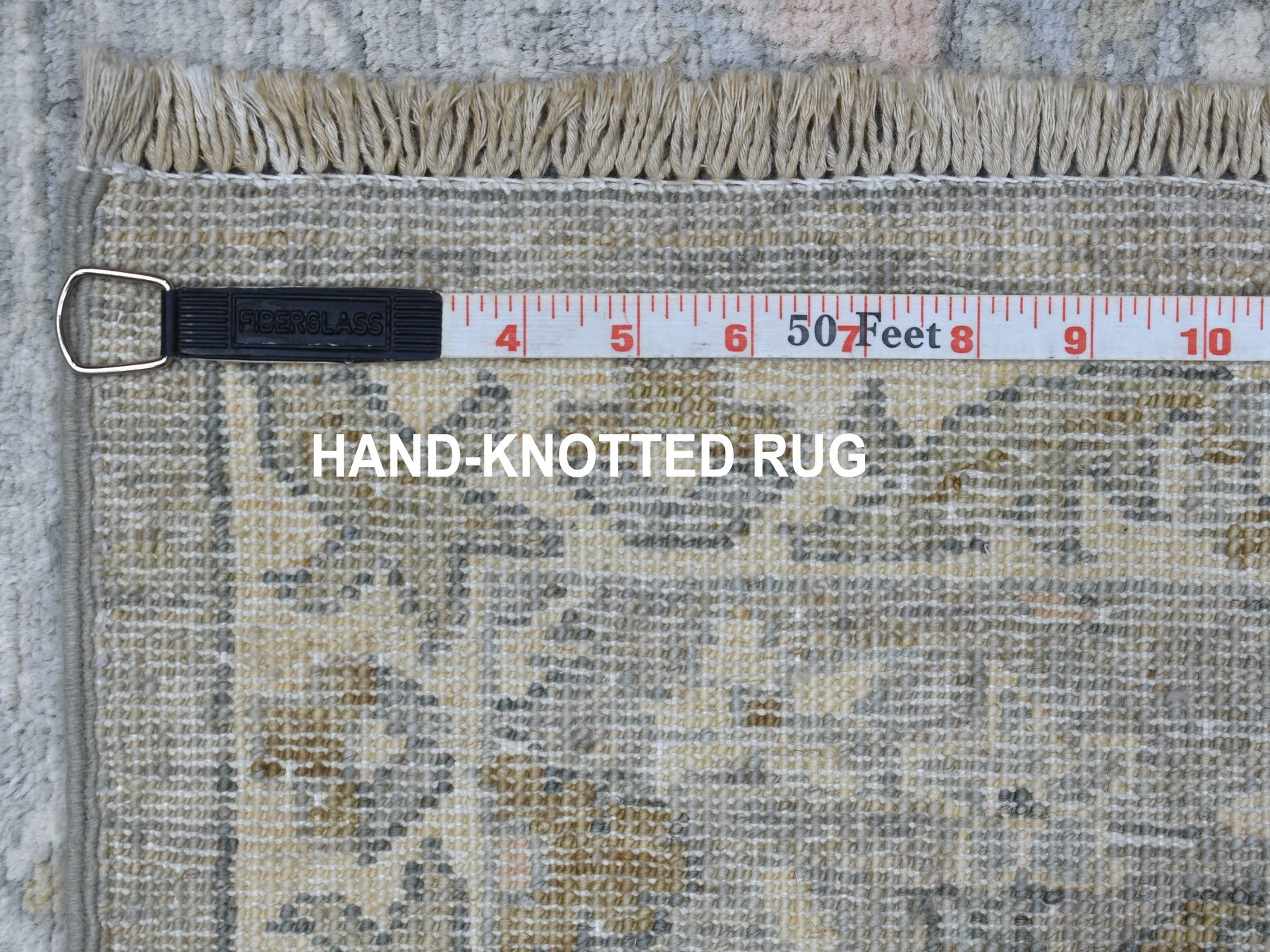 Traditional Wool Hand-Knotted Area Rug 2'9