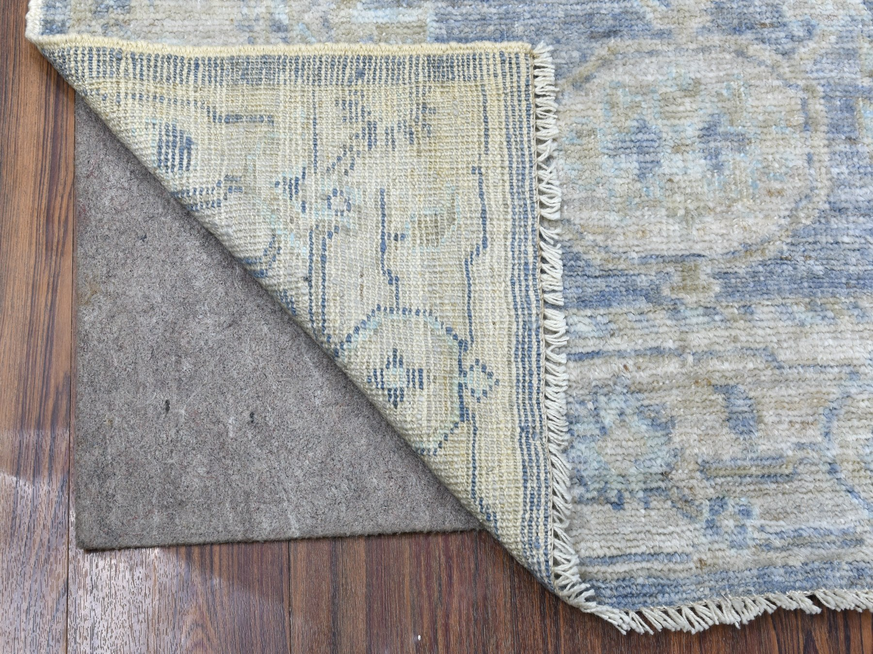 Transitional Wool Hand-Knotted Area Rug 3'1